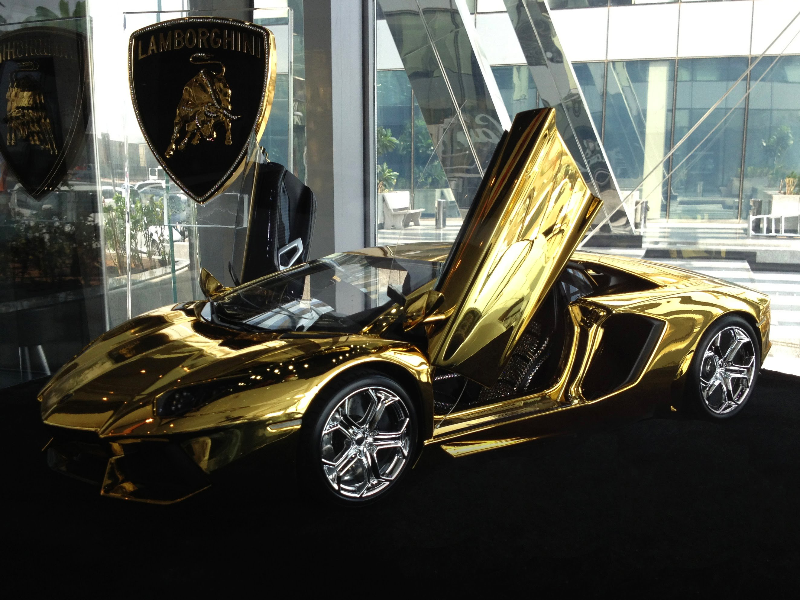 lamborghini veneno chrome with Autos Deportivos Mas Caros on Cool Gold Cars Wallpapers additionally 123075002296407594 further Lamborghini Veneno Roadster Presented On Aircraft Carrier Nave Cavour also January Is Ugly Car Month 10 Of The Ugliest Cars Ever together with Autos Deportivos Mas Caros.